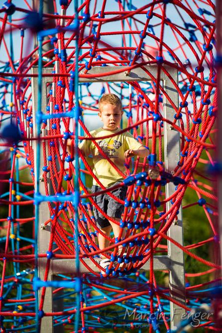 Plac zabaw pod wieżą wyciągową Prezydent w Chorzowie